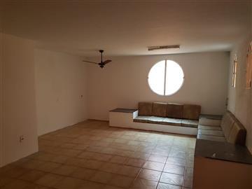 Casas Comerciais Anhangabau R$650.000,00