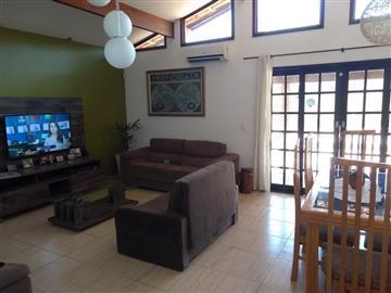 Casas 27422GP R$ 370.000,00