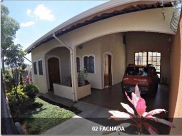 3 Dormitórios / 1 suíte Garagem para 3 carros Excelente Oportunidade!
