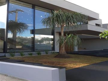 Casas em Condomínio  Ourinhos R$1.650.000,00