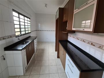 Casas  Ourinhos R$470.000,00