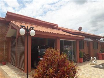 Casas Aguas de Santa Barbara/SP