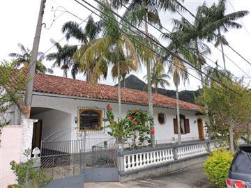 Casas  Nova Friburgo R$840.000,00