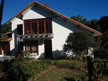 Casas  Nova Friburgo R$1.600.000,00